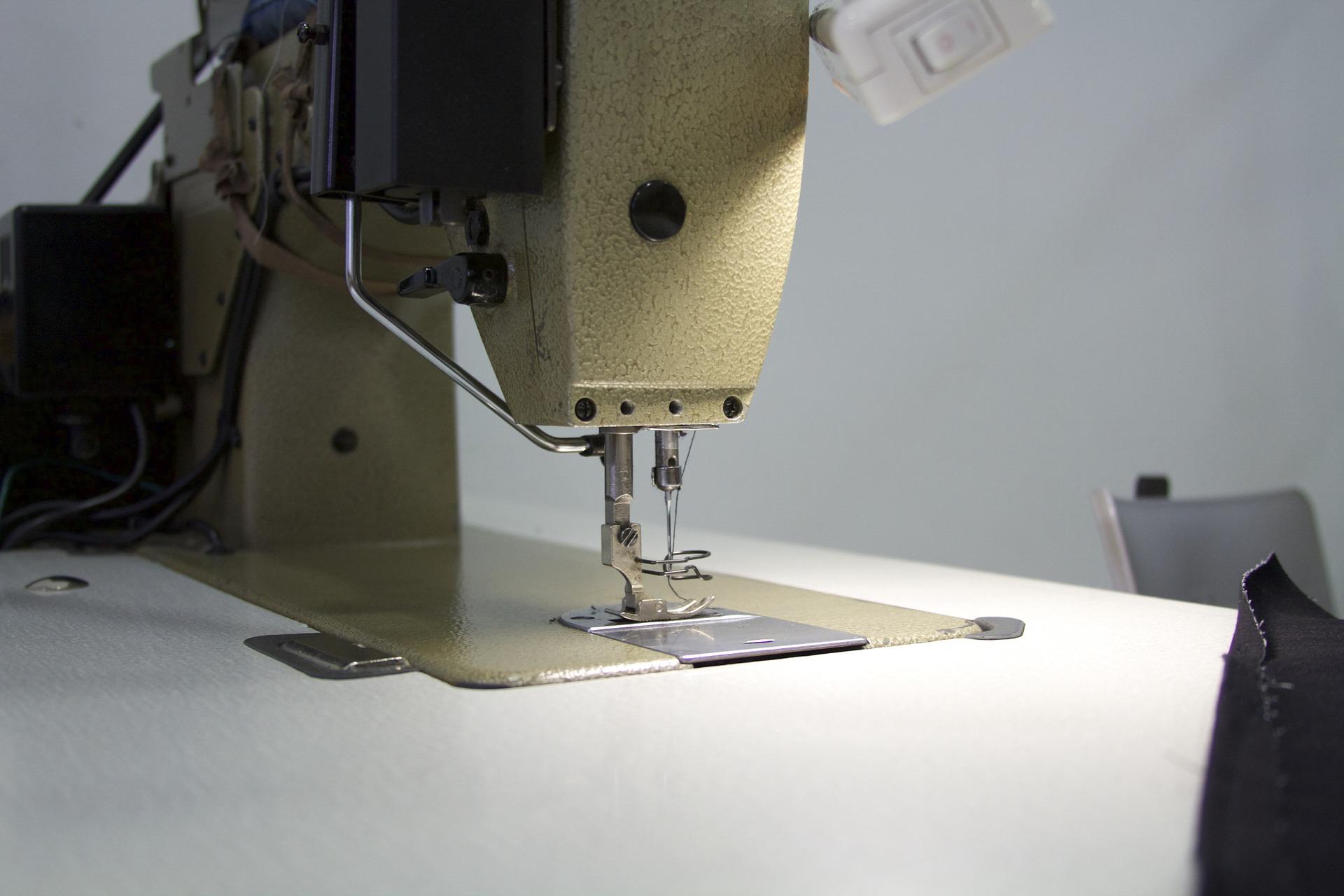Mesa para máquina de costura: Como escolher a melhor em 2020?