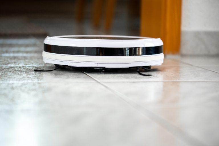 Imagem de robô aspirador de pó branco