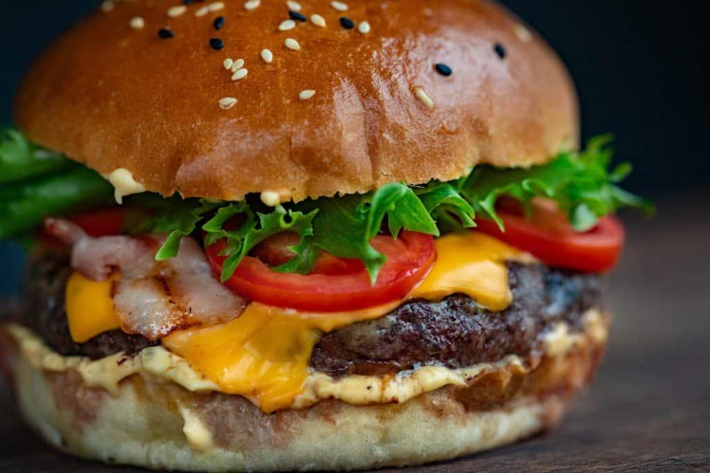 Imagem de um hambúrguer.