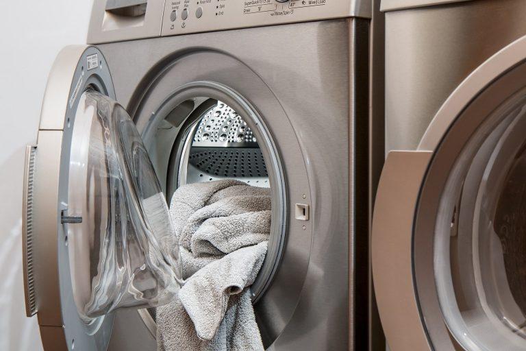 Imagem de uma máquina de lavar.
