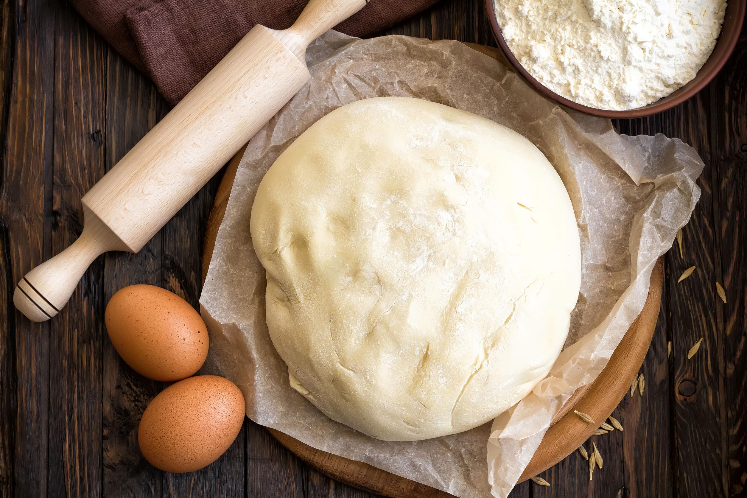 massa de pão preparada na batedeira planetária
